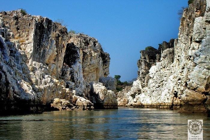 Madhya Pradesh Tourism :  Bhedaghat best attraction