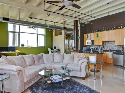 contemporary Texas style in a beautiful loft... love the green