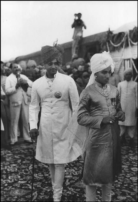 © Henri Cartier-Bresson/Magnum Photos.   Jaipur, Rajasthan - 1948.  Marriage of the Maharadjah of Baria and of the Maharadjah of Jaipur's daughter.