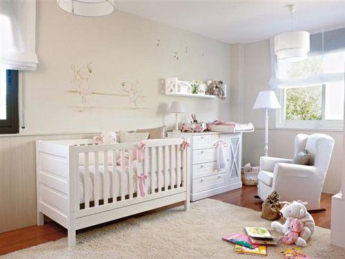 cuarto de bebe recien nacido blanco