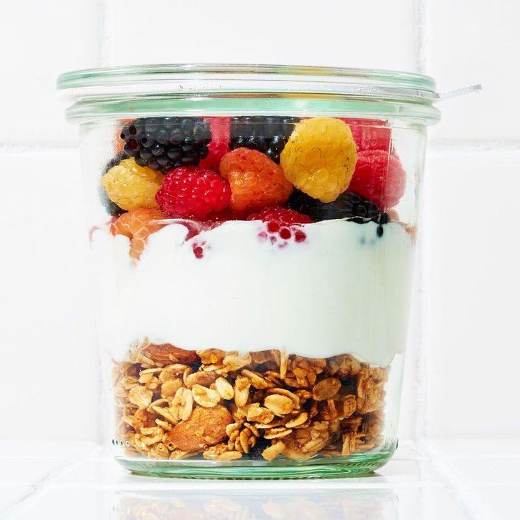 6 gesunde Snacks im Glas, die du überall mit hinnehmen kannst (Recetas Fitness)