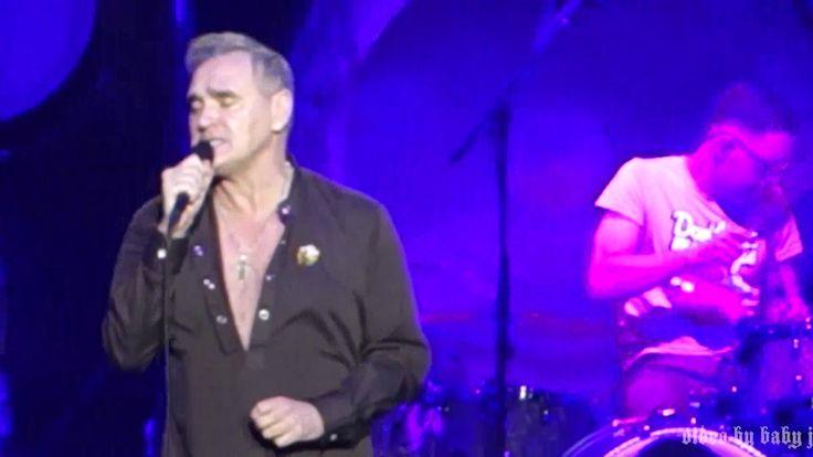 Morrissey-SUEDEHEAD-Live @ Fox Theatre, Tuscon, AZ, April 10, 2017-Moz-T...