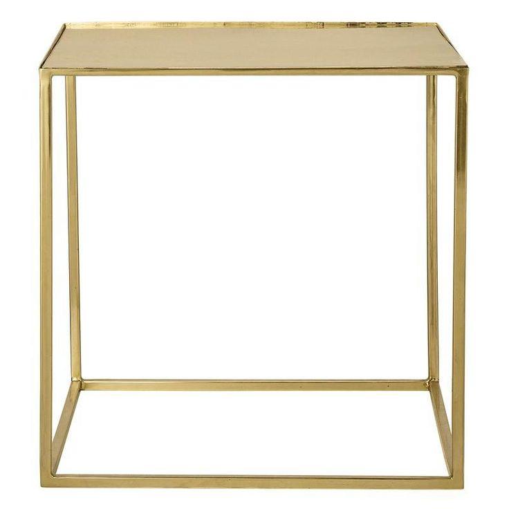 Bloomingville+Cube+Stuebord+-+Bloomingville+stuebord+der+både+understell+og+bordplate+er+i+gullfarget+metall.+Dette+fine+bordet+kan+brukes+i+stuen+eller+som+et+luksuriøst+og+stilig+nattbord+på+soverommet.