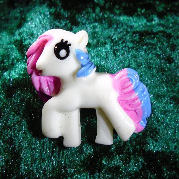 Hair Clip - Pretty Pony (White / Pink / Blue) - Free UK P&P - Cosplay / My Little Pony / MLP / Hair Accessory / Anime / Cartoon / Cute