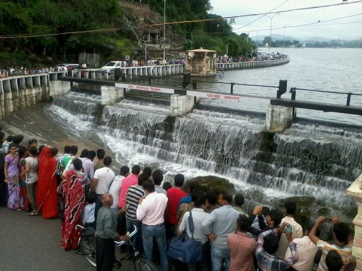 Fatehsagar Lake overflow