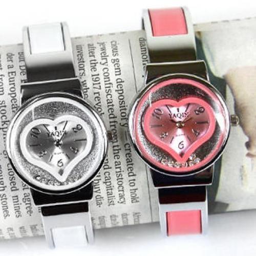 Rhinestone Heart Strap Watch