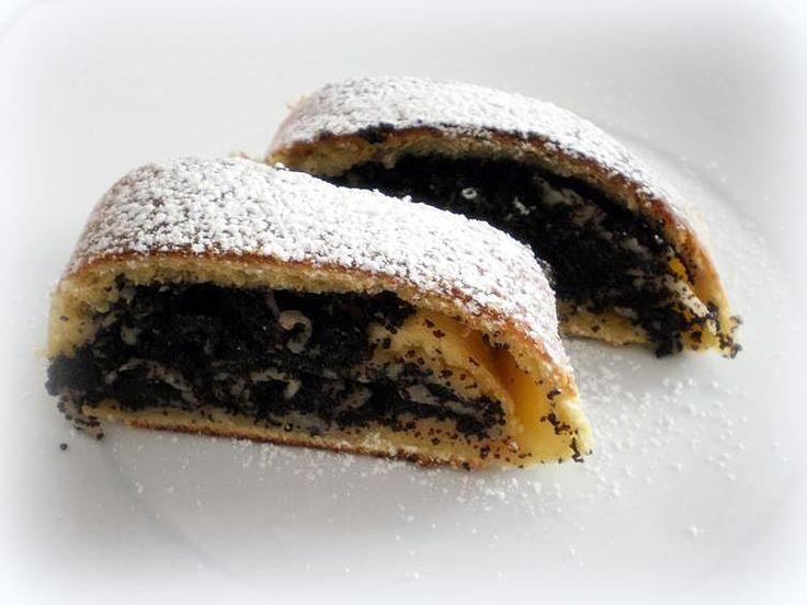 Ďalšie obľúbené recepty: Perníkový podkrovný byt v New York-u Vegánske jablkové pancakes Tip na nedeľný obed: Karfiolové placky s petržlenovým dipom a Makovo-višňová štrúdľa Torty, ktoré vám vyrazia dych Jedlé portéty osobností podľa Jolity Výborné jablkové rezy 16 úžasných nápadov ako naaranžovať jedlo na tanieri Videonávod   Karamelové dekorácie Falošné doplnky pripomínajúce jedlo – Slaninové  …  Continue reading →