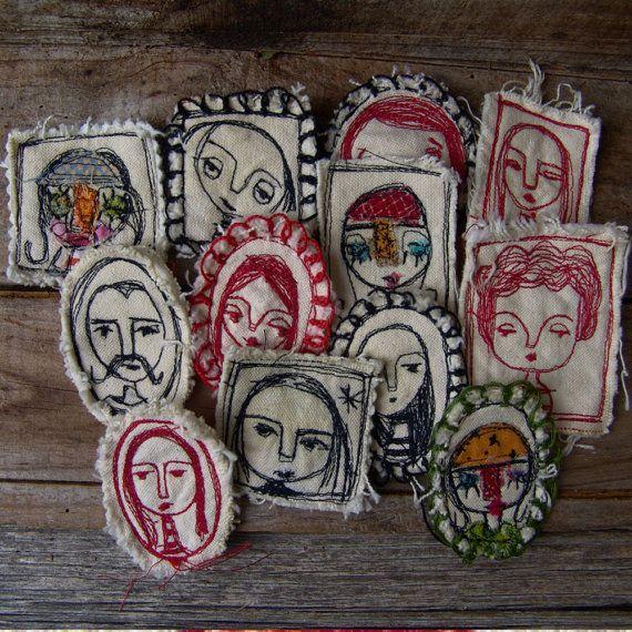 Broches de tela bordados