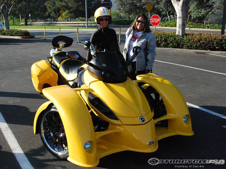 Can-Am Spyder with custom body kit
