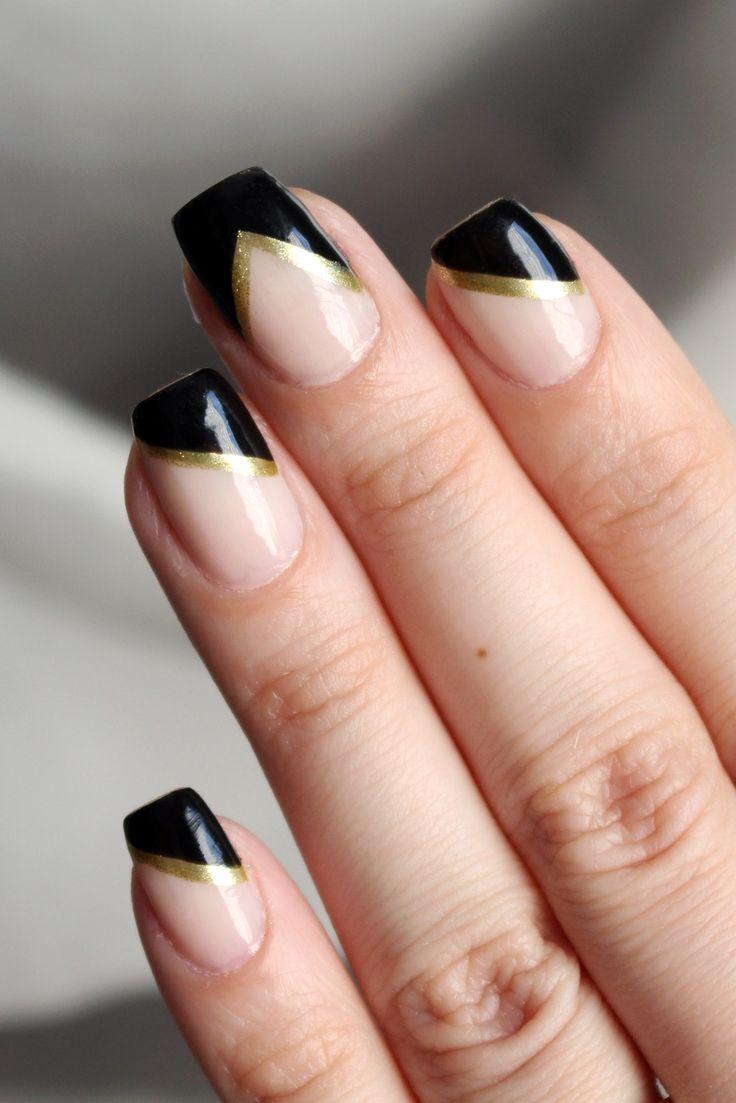 Versão glam, com um toque de dourado, das unhas da Atena (personagem da Giovanna Antonelli), negativas geométricas.