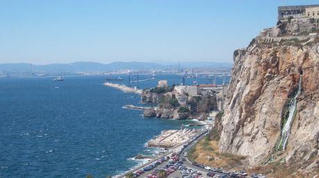 O navă spaniolă a intrat ilegal în apele britanice ale Gibraltarului, după scandalul cu Regatul Unit