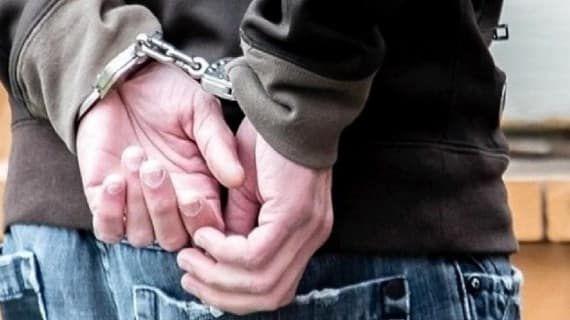 أكادير توقيف شخص للاشتباه في تورطه في ارتكاب جريمة القتل العمد في حق سائق سيارة أجرة Holding Hands
