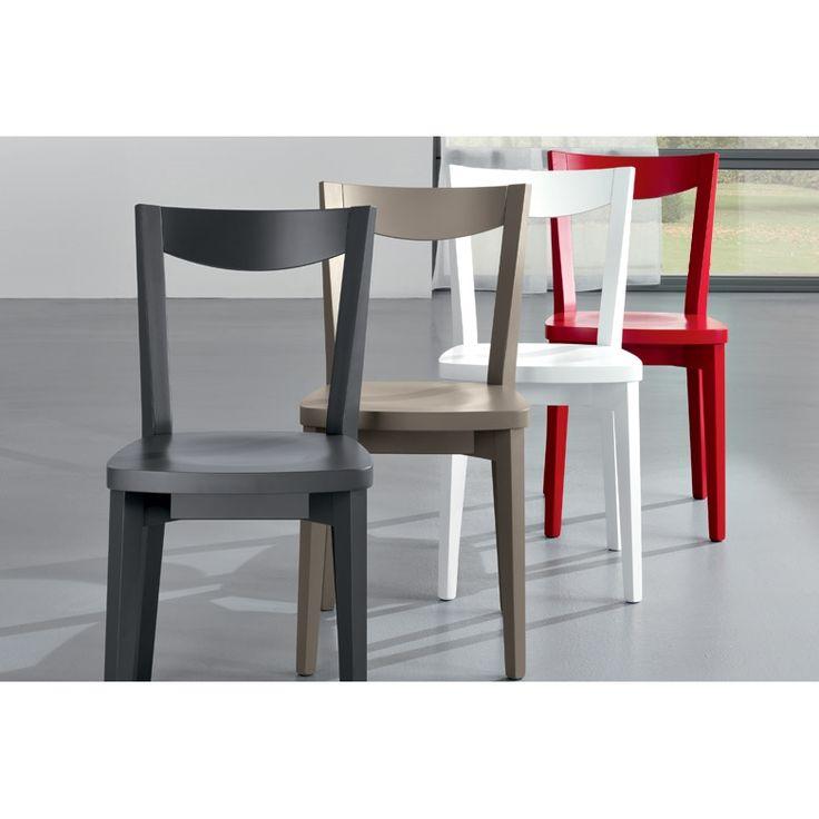 Sedia da cucina dalle linee pulite Friulsedie Smart - Lo stile di questa sedia si caratterizza da linee pulite ed essenziali, adatta sia alla cucina che alla zona giorno.  Ideale per chi è alla ricerca di un arredamento più allegro per la propria casa, ma anche semplice. Disponibile con struttura in tabacco, noce canaletto, in laccato opaco nei colori bianco, fango e sabbia, in laccato a poro aperto bianco, fango e corda. La seduta può essere in cuoio rigenerato nei colori bianco, fango e…
