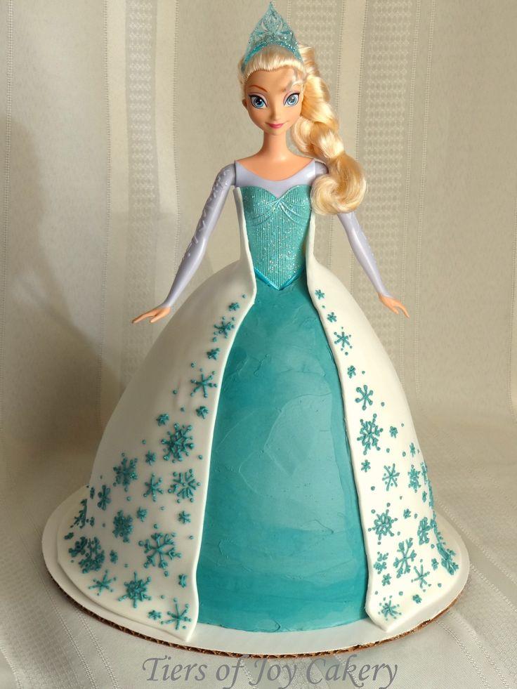 """Disney """"Frozen"""" Queen Elsa doll cake."""
