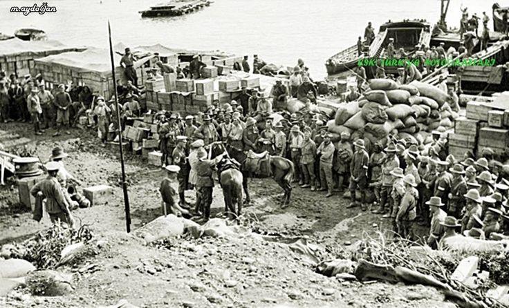 Çanakkale Savaşları 1915 19 Mayıs 1915 de Anzak larla Türkler arasında yaşanan 3-4 gün süren büyük saldırılar sonucunda çok sayıda asker hayatını yitirmiş,Cenazelerin defni için Osmanlı Ordusu adına Ohri li Kemal Binbaşının geçici ateşkes görüşmeleri yapmak üzere Anzak karargahına gidişi