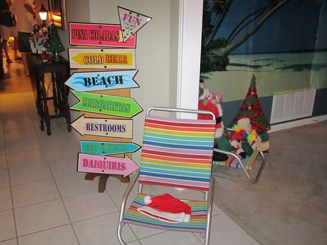 Hawaiian Christmas Party Ideas Part - 38: July At Christmas: A Wintertime Beach Party Full Of Great Party Ideas!