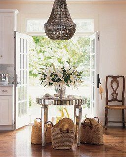 : Interior Design, Idea, Chandelier, Style, Round Table, Kitchen, Mirrored Table, Entryway