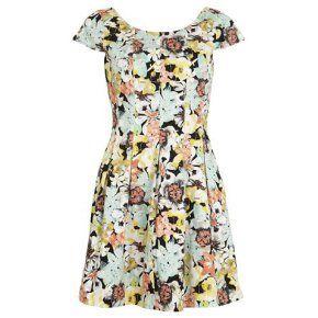 Colette - Rooibos jurk Nauwsluitende jurk met verhoogde taillelijn en geschulpte zakken | Naaipatronen.nl | zelfmaakmode patroon online