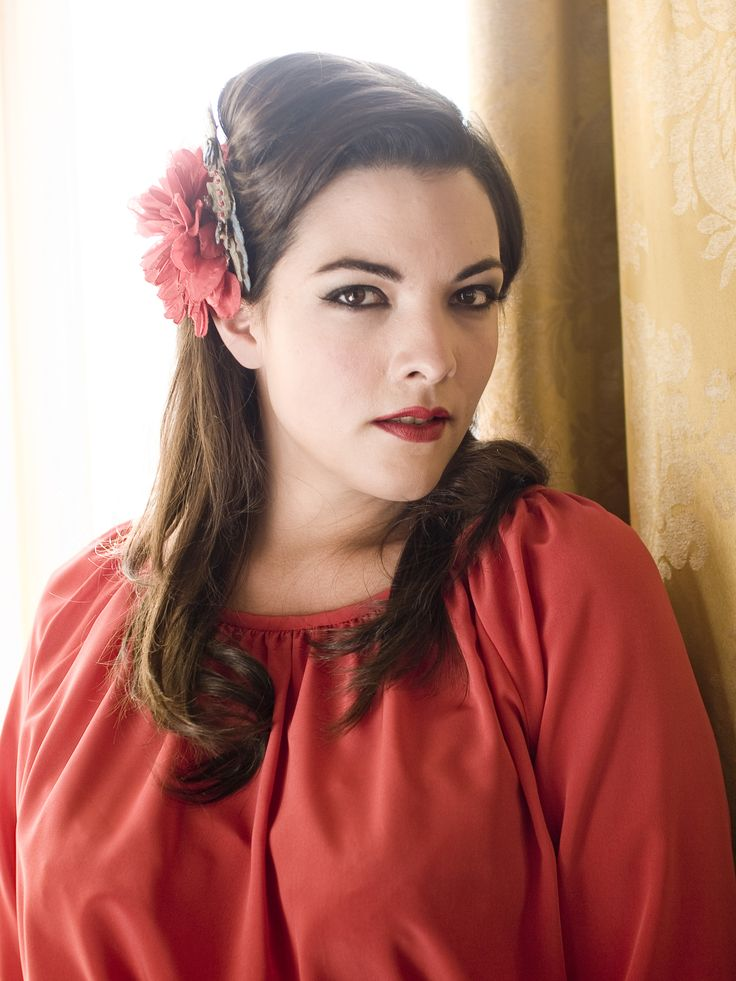 Caro Emerald: Caro Emeralds 01Aag, Emeralds Press, Bit Fabulous, Extraordinari Music, Beautiful Women, Fabulous Fashion, Pop Music, Flowers Fashion, Beautiful People