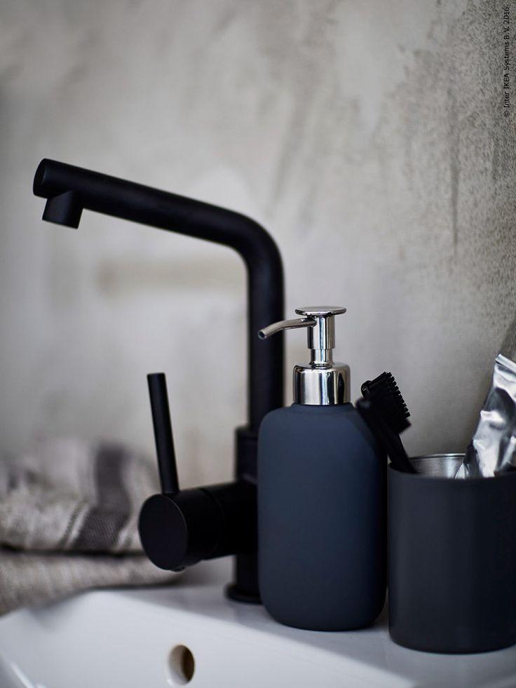 Klimatsmart tips! Blandare som minskar din vattenförbrukning med upp till 50%. LUNDSKÄR tvättställsblandare med bottenventil och EKOLN tvålpump.