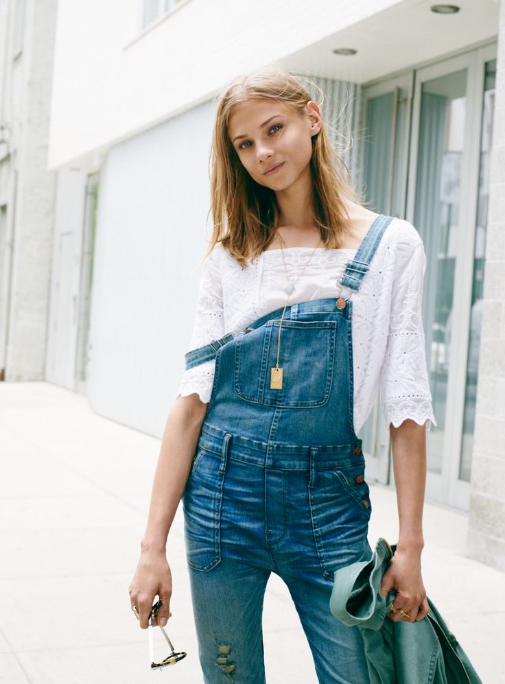 madewell skinny overalls worn with the embroidered foretell top + shapemix lariat necklace. #denimmadewell