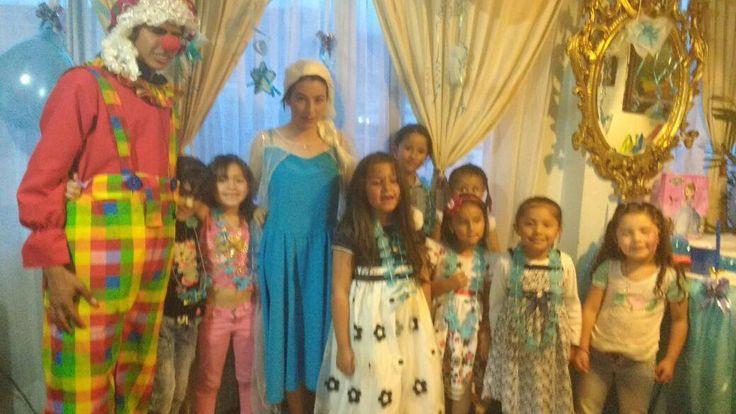 Fiestas  infantiles con payasos expertos a espectaculares precios  llámanos y escríbenos aquí  3204948120