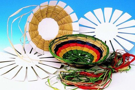 Weave and create colorful round baskets by channeling your inner architect Includes: cardboard base, raffia. 4 1/2 #romevbs #vbscrafts #wovenbasketcrafts #basketcrafts #crafts #guildcraftartsandcrafts #ancientromecrafts