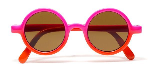 Gafas de sol Kids 253292 Las gafas de sol de niños de Kids 253292 ofrecen máxima protección contra los rayos UV. Pruébatelas en tu óptica +Visión más cercana.