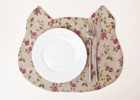 Placemat Cat Fabric placemat floral pattern par JuliaWine sur Etsy, $17.00
