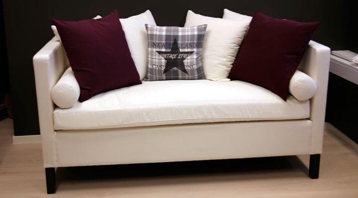 Chill sofa passer som diningsofa. Høy og behagelig å sitte i. www.krogh-design.no