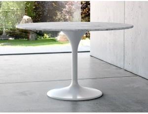 Grease tavolo rotondo in marmo Tulip - Tavolo fisso rotondo con basamento in fibra di vetro laccato bianco e piana in marmo carrara.  Dimensioni: Ø120 H 75 cm  Prodotto da azienda Italiana  realizzato all'estero.