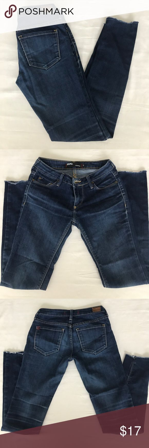 BDG jeans.  Women's cigarette style jeans. BDG jeans.  Women's cigarette style jeans.  Waist- 25 inseam-27.  Buttom pant leg was cut off for trendy look. BDG Jeans Skinny