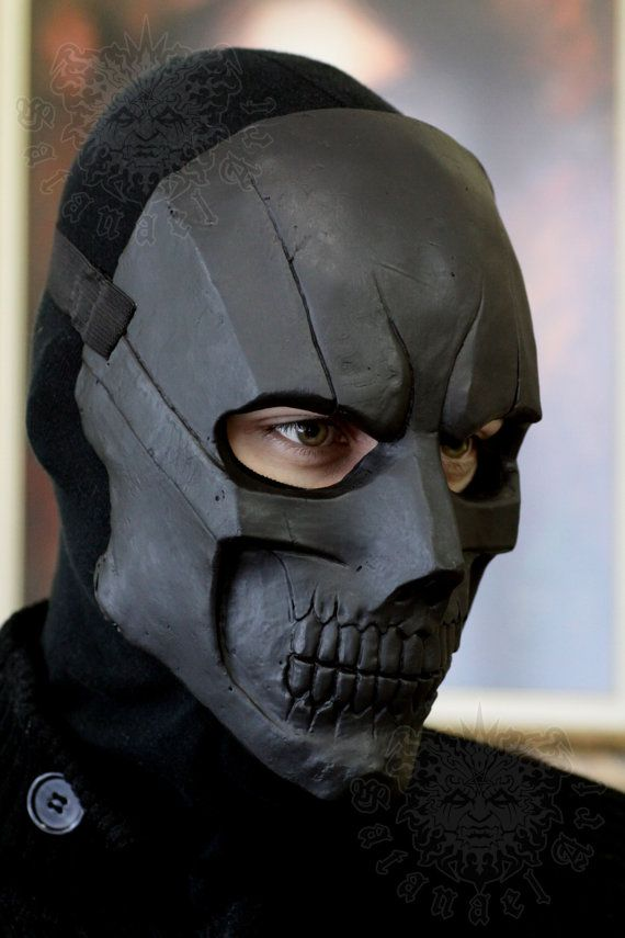 Custom design of the Black mask    Handmade & paint fiberglass mask.  With first layer of gelcoat for more strength of the mask.