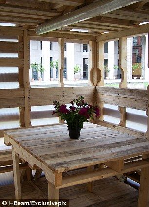 A 250 square foot house can be constructed using 100 recycled pallets and five people using hand tools for a week