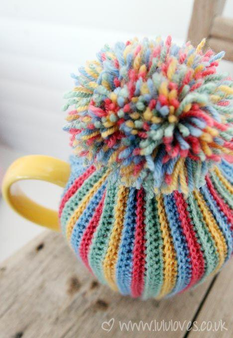 Pom-Pom Tea Cosy  ...♥♥...