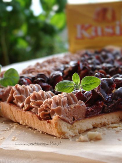 mazurek wiśnia w czekoladzie