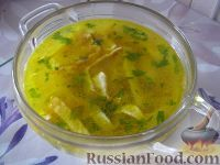 Фото к рецепту: Куриный суп с лапшой из омлета