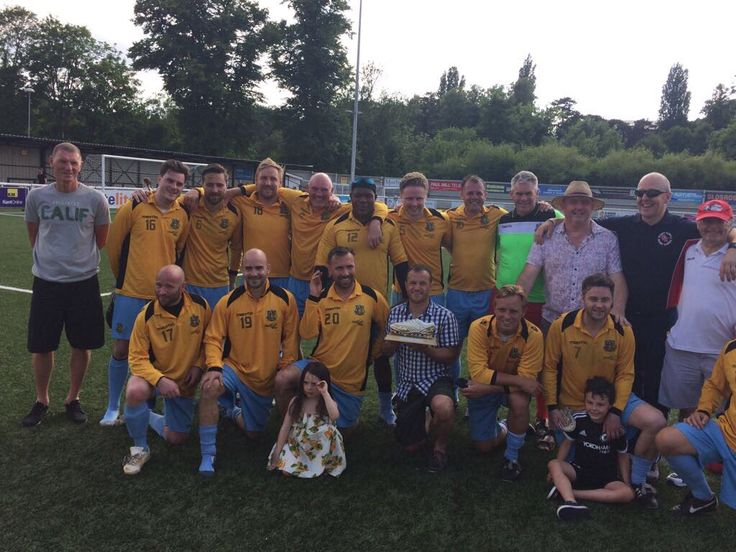 The Maidstone United team of 2000/01 come together again to play Ramsgate and raise money for  Paul Foley
