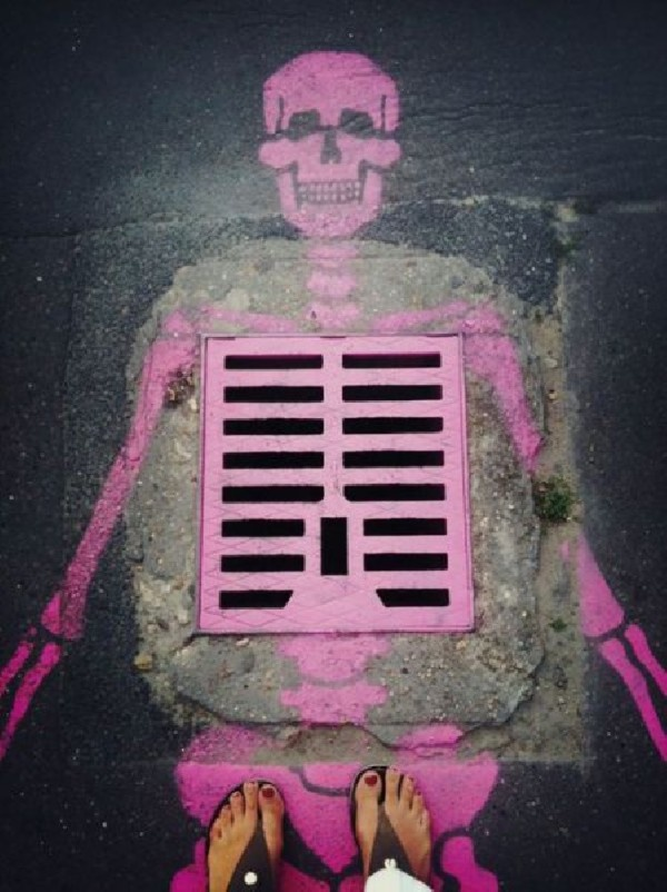 Graffiti.....!!: Paris, Ribs, Street Art Utopia, Streetartutopia, Graffiti, Bones, Skeletons, Dark Shadows, Skull Art