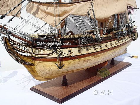 "CaptJimsCargo - XL USS Constitution Wooden Tall Ship Model 59"" Old Ironsides, (http://www.captjimscargo.com/model-tall-ships/warships/xl-uss-constitution-wooden-tall-ship-model-59-old-ironsides/) Huge Hotel Lobby Size! Display case is also available."