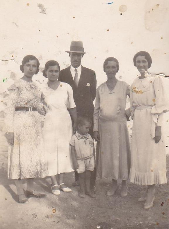 παππους κ γιαγια με φιλους ...1929 !