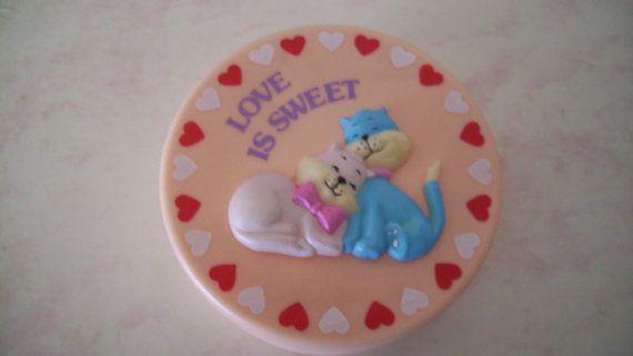 Peach Love Cats Trinket Box Vintage 80s Love is by JirjiMirji, €15.90: Trinket Boxes, Vintage Pink, Sweet Trinket, Treasure Boxes, Cat Boxes, Cat Sweet, Boxes Vintage, Pink Jewelry, Pink Cat