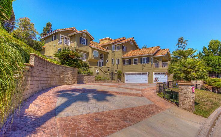 seven gables real estate - 736×458