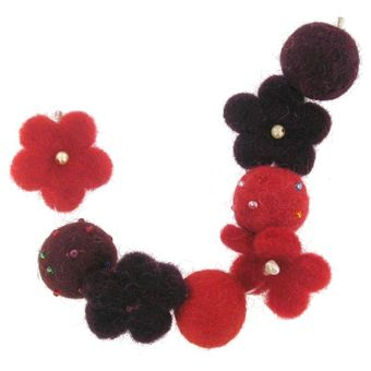 Bijoux felt Beads 8 Inches Red