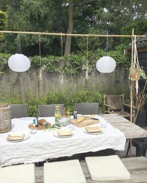 Late lunch omdat ik mijn eigen versie van de tafelklem af wilde hebben. Gewoon met bamboestokken en buisklemmetjes twee schroeven en touw. Fijne dag . Wij gaan zo hopelijk naar een zonnige aaltjesdag. @hoevenma je wordt nu niet meer aangevallen #budgettip