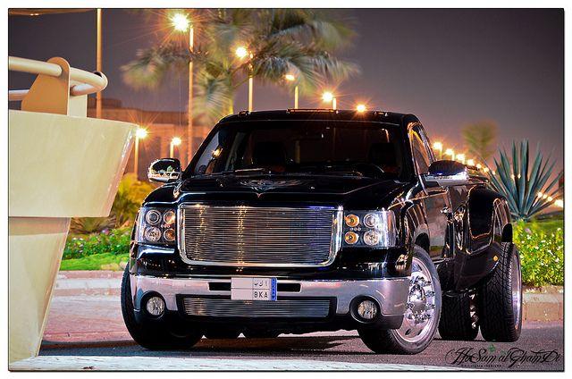 2009 gmc sierra 3500hd west coast customs edition ibn mansi auto jeddah saudi arabia. Black Bedroom Furniture Sets. Home Design Ideas