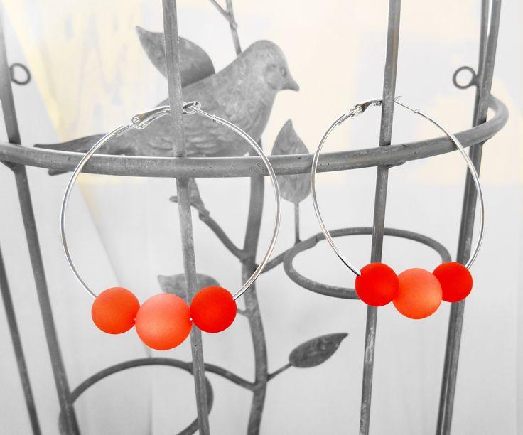 Boucles oreille créole perles polaris orange et corail / mariage / fête / anniversaire / cadeau : Boucles d'oreille par perlaperles