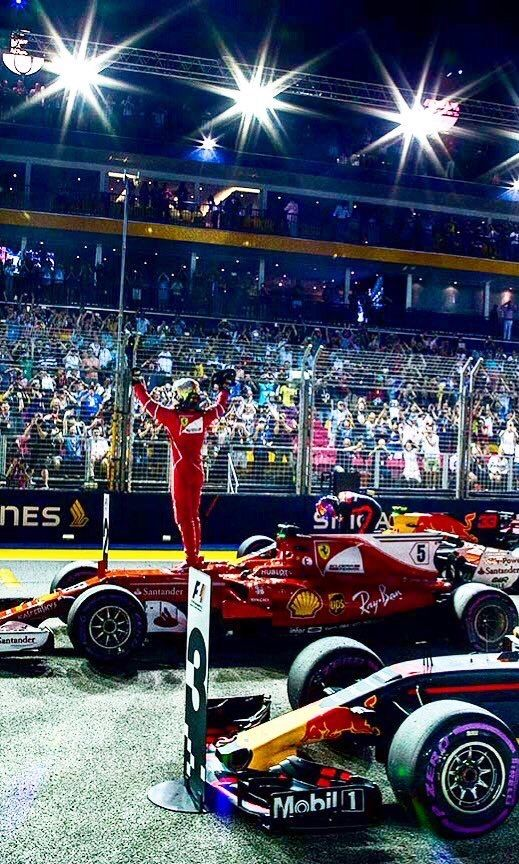 2017/9/16:Twitter:‪@peterjfoxf1‬: Get in  #sebastianvettel nails pole position at the #SingaporeGP2017 #f1 #Ferrari #ScuderiaFerrari