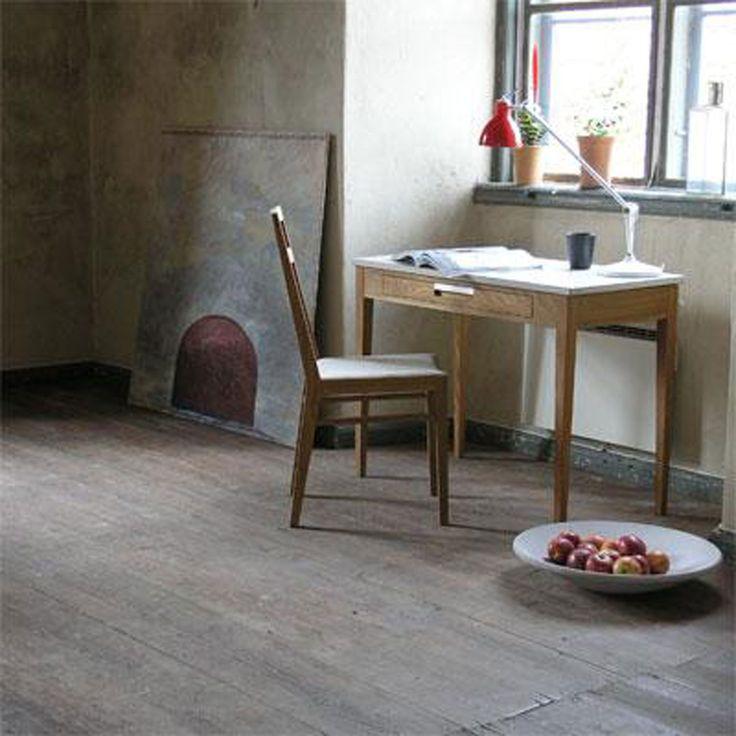 Ala skrivebord, eik, plate i kalkstein G.A.D - Kjøp møbler online på ROOM21.no