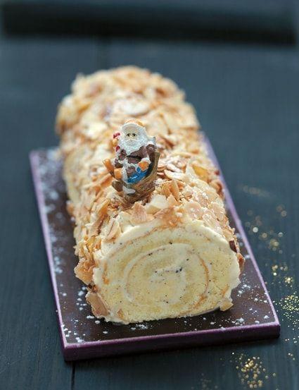 Recette de Bûche pâtissière à la vanille et aux amandes grillées : la recette facile